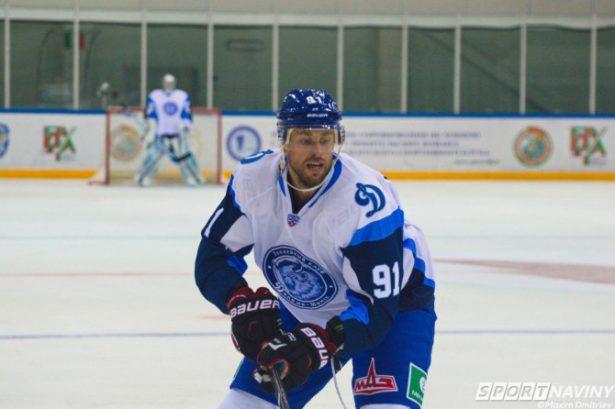 Хоккеист Комаров подписал полноценный договор сХК «Динамо» (Москва)— Воробьев