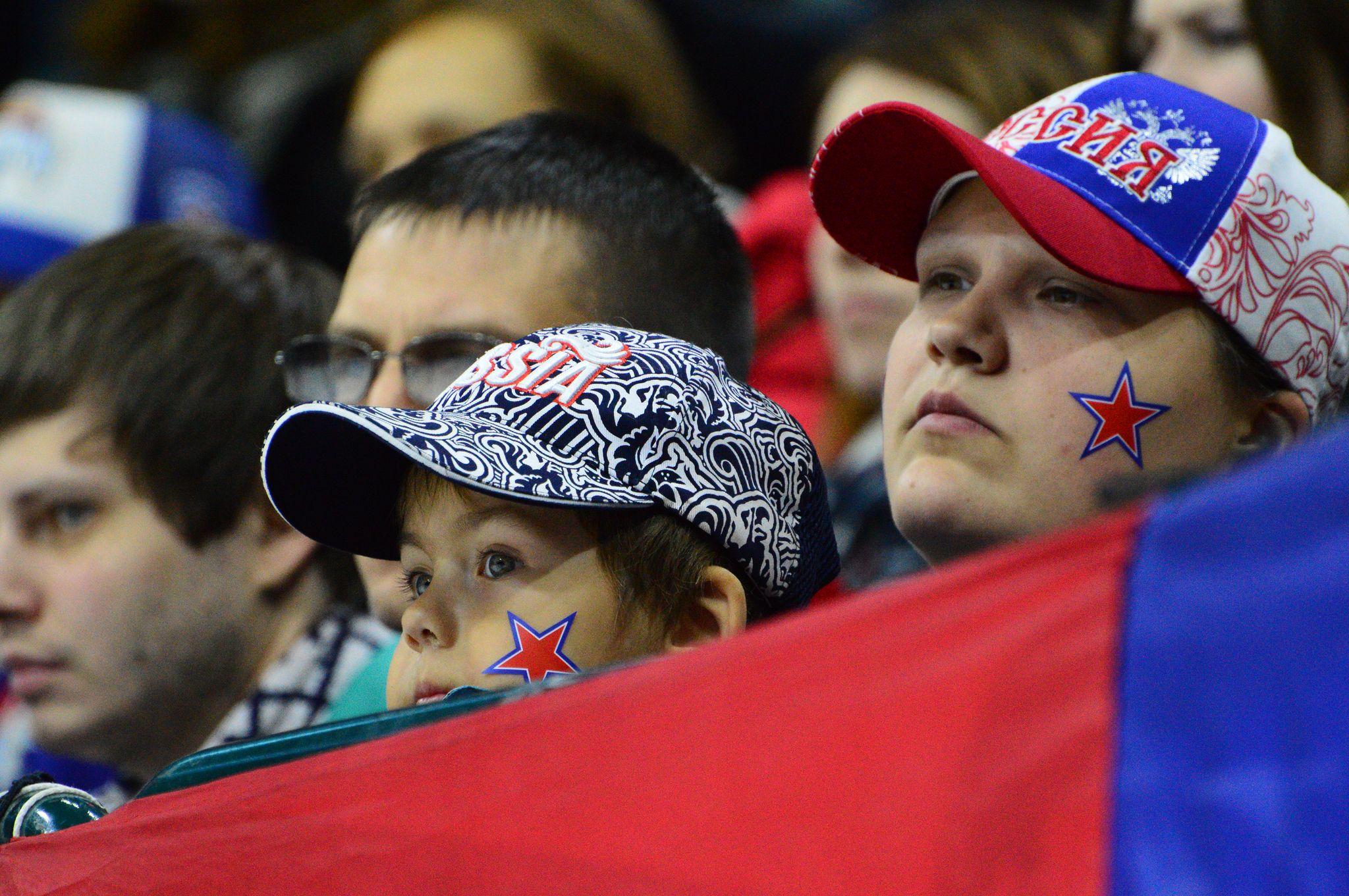 Болельщики питерского «СКА» допели внезапно оборвавшийся гимн России