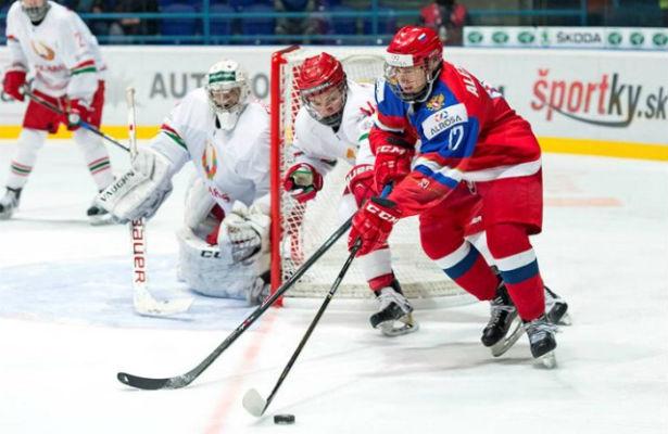 Хоккеисты сборной Швеции нанесли поражение команде Швейцарии вматче МЧМ