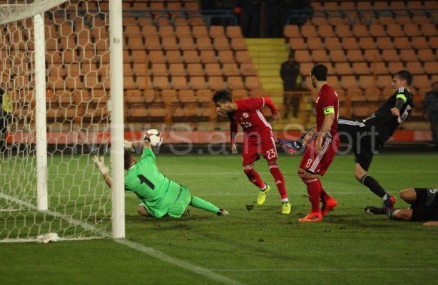 Футболисты сборной Беларуссии проиграли Армении